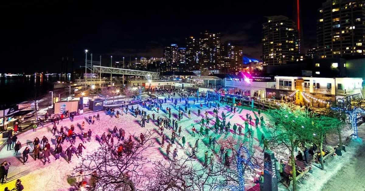Toronto'daki Paten Alanında Neon Paten Yapabilirsiniz 1