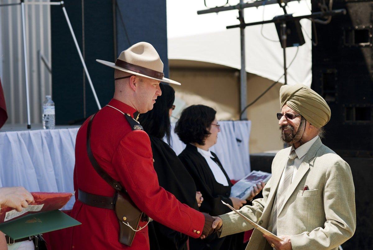 Kanada 2024 İtibarıyla Göçmenlerin Vatandaşlığa Geçişinde %40 Artış Bekliyor! 1