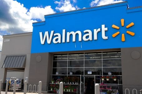 Walmart Açıkça Kokain Göndermesi Yapan Noel Sweaterları için Özür Diledi!
