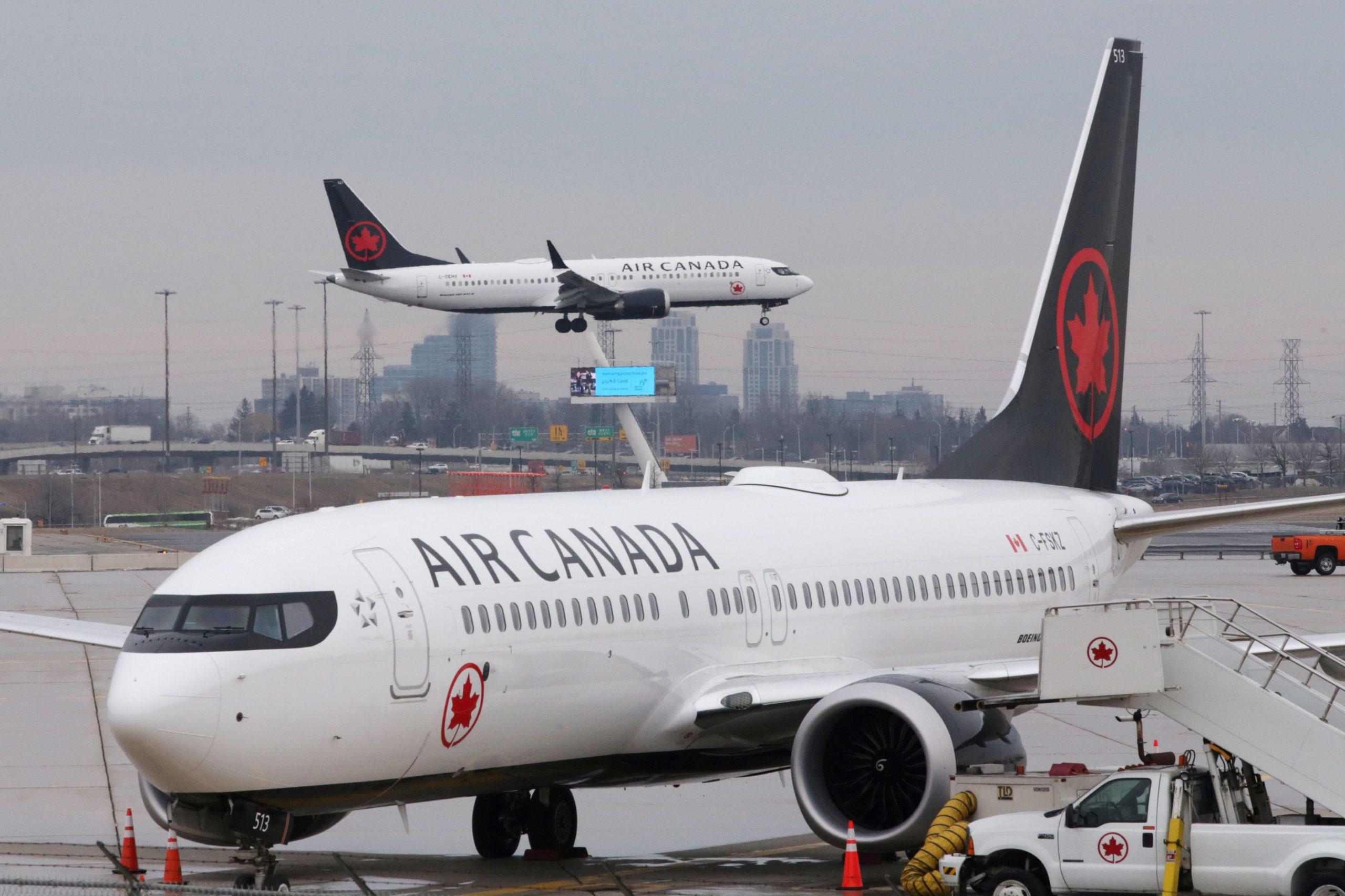 Air Canada uçuşları Koronavirus nedeniyle    Haziran'a kadar askıya aldi.(*uluslarası uçuşlar)