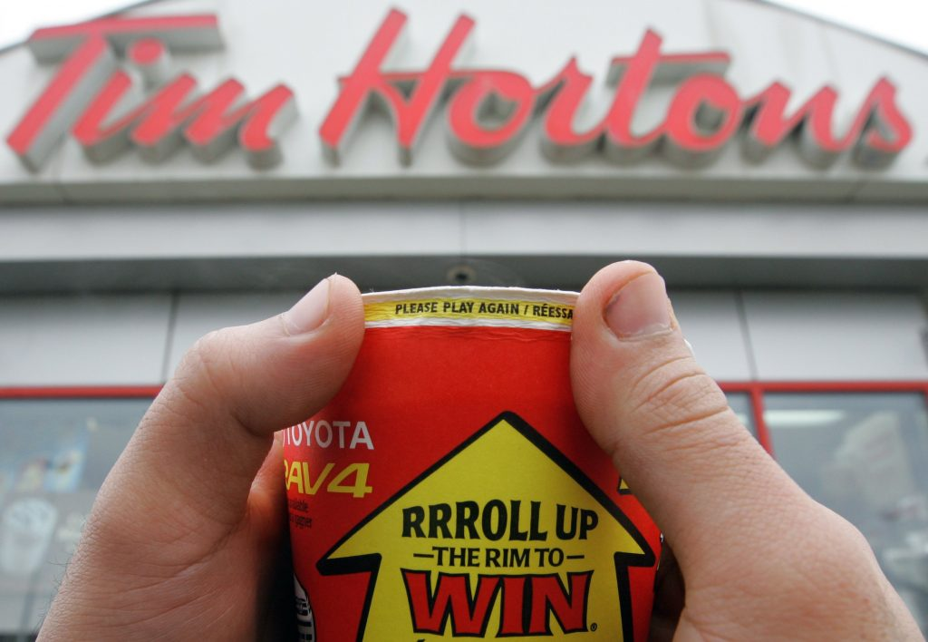 Tim Horton's Always Roll Up The Rim-Kanadalilar Yasamak Ile Ilgili 21 Kural